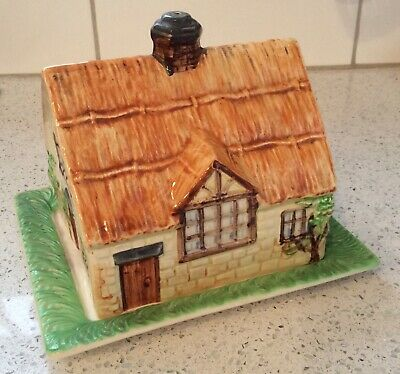 Beswick Cottageware - Cheese/ Butter Dish - Thatched Cottage Pattern No. 250 • 15£