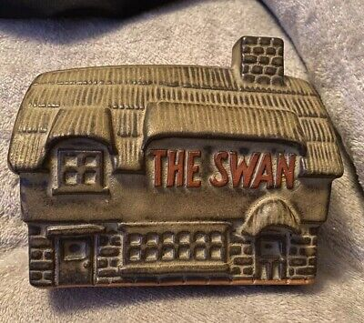 TREMAR CORNISH POTTERY MONEYBOX - THE SWAN INN / PUB - Used Aged Condition • 4£