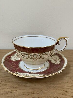 Vintage Crown Staffordshire China Tea Cup & Saucer • 4.99£