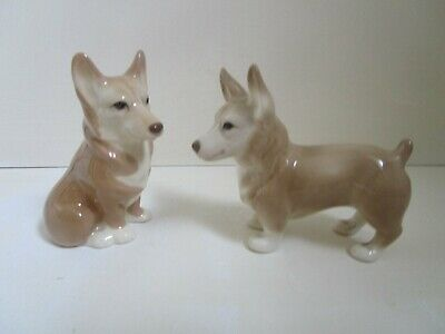Szeiler Two Corgi Dogs • 10£