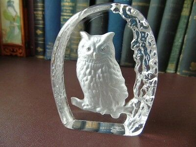 Vintage Wedgwood Art Glass Crystal Etched Eagle Owl Paperweight • 17.99£