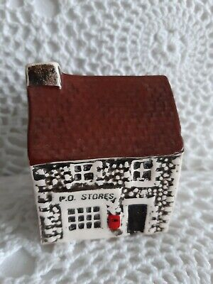 Miniature Suffolk Cottage Post Office Ornament  • 3.50£