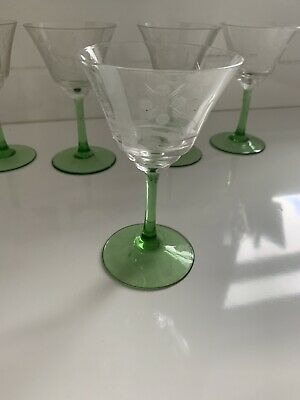 Set Of 6 Beautiful Vintage Etched Liqueur/ Wine / Martini Glasses - Green Stems • 2.10£