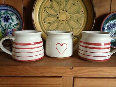 3 Small Earthenware Mugs. Excellent Condition. • 9.50£