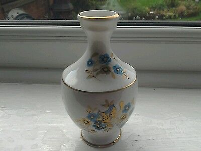 Pretty Royal Tara Small Vase • 0.99£