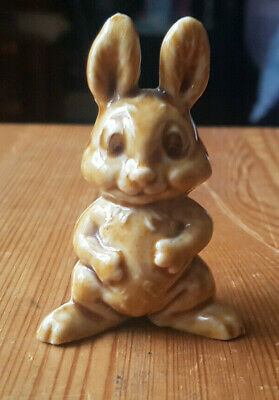 Wade Whimsy : Smiling Rabbit. C 1970 Unboxed • 12£