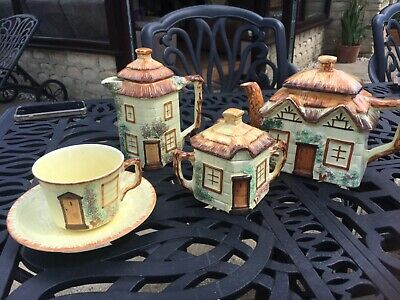 Keele Street Pottery Tea Set • 20£