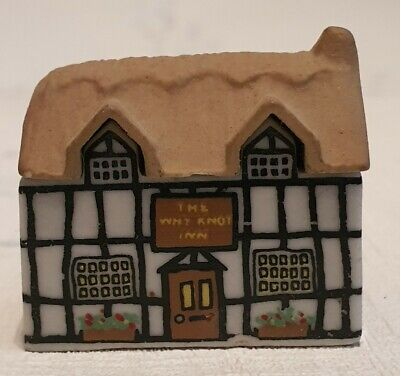 WADE Collectable 80s Miniature Village House Cottage Whimsey   The Why Knot Inn  • 21.70£