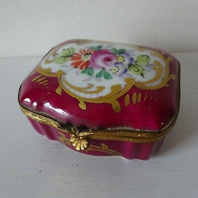 Limoges, Porcelain Trinket Box • 18£