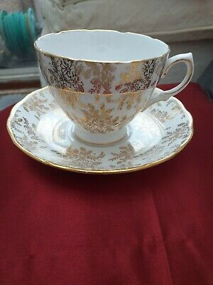 Royal Vale Cup And Saucer • 1£