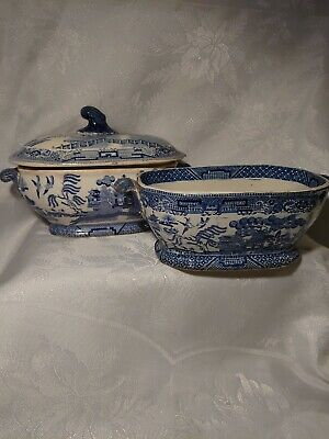 Antique Early Transfer Printed Small Willow Pattern Sauce Tureens • 10£