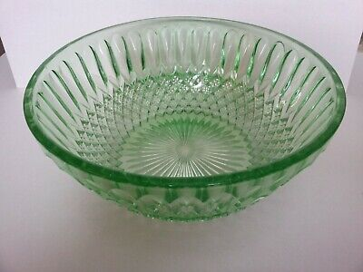 Green Heavy Glass Patterned Fruit Bowl - Bagley? • 3.99£