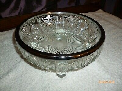 A Beautiful Pressed Glass Fruit Bowl, Quite Heavy, Lovely Design, Excellent Cond • 2£