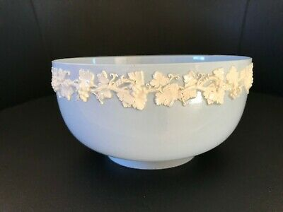Wedgwood Queensware Blue Bowl With White Grapes & Vines • 17.99£