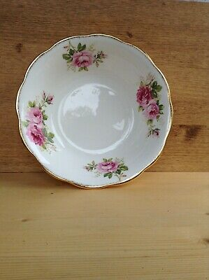 Royal Albert American Beauty Large  Serving Bowl • 15£