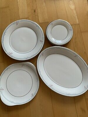 Royal Doulton Carnation Dinner Set • 40£