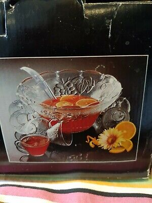 Romance 12 Piece Glass Punch Bowl Set Never Been Used • 14£