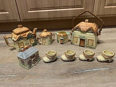 Keele Pottery Thatched Cottage Set • 24£
