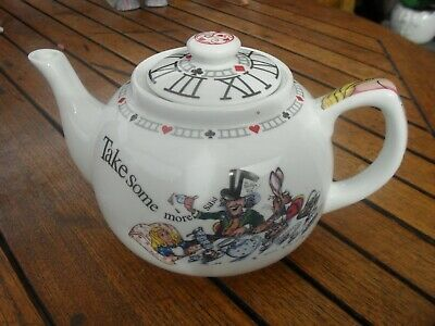 Alice In Wonderland Paul Cardew Mad Hatters Tea Party Teapot  • 9.99£