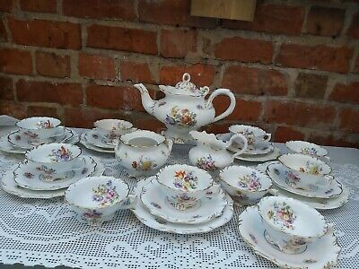 English Porcelain Hand Painted Tea Service • 299£
