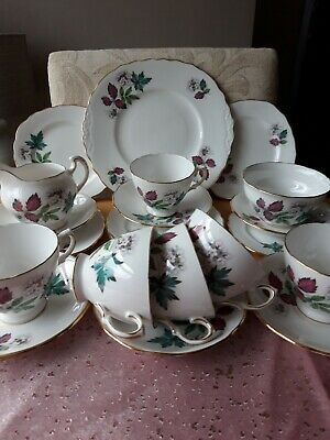 Vintage  Royal  Vale Bone China  Teaset  • 39£