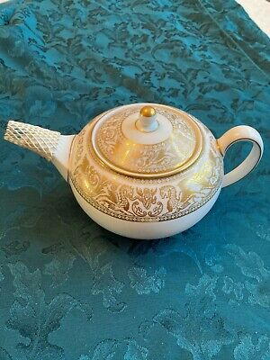 Wedgewood Gold Florentine Tea Pot Prefect Condition, Never Used  • 90£