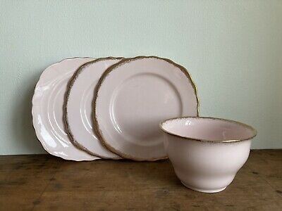 Pink And Gold Royal Vale/ Vale/ Pink Vogue. 3 Side Plates, 1 Bowl. Minor Cracks • 1.20£