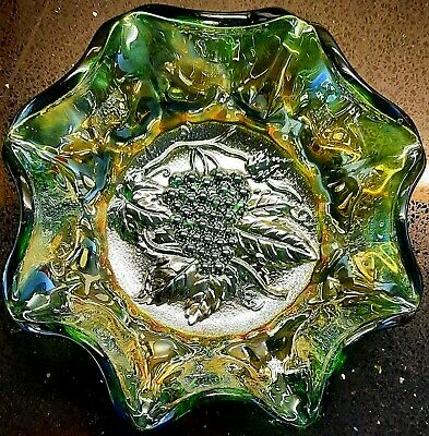 Vintage Imperial Carnival Uranium Glass Iridescent Green Fluted Grapes Bowl 7.4  • 28.90£