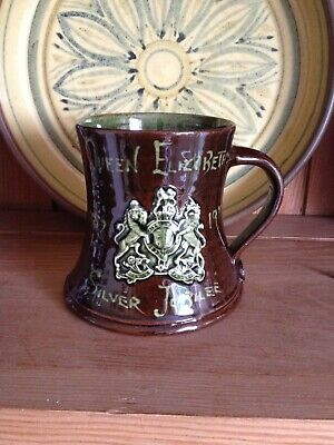 Beautiful Glossy Lakes Pottery (Truro) 1977 Silver Jubilee Mug. Excellent • 8£