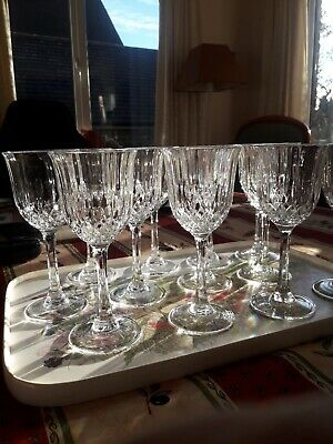 Set Of 12 Crystal Cut Wine Glasses (4 Further Spare If Wanted) • 15£