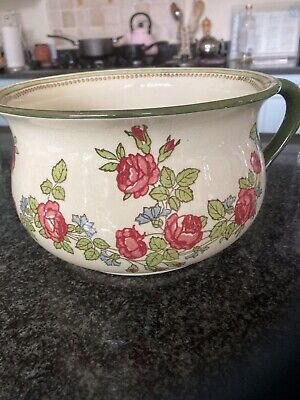 Beautiful Royal Doulton Chamber Pot • 35£