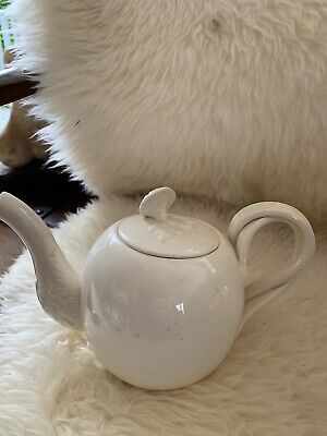 Royal Creamware Vintage Twisted Handle Teapot. 6ins High • 7£