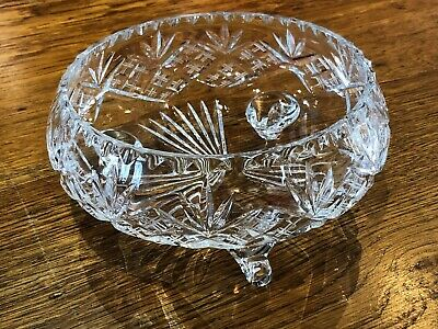 Cut Glass Bowl With Legs • 7.10£