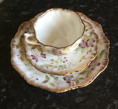 Antique? Fluted Teacup, Saucer, Plate Trio, Purple Flowers 982D 'Small Chips' • 9.99£
