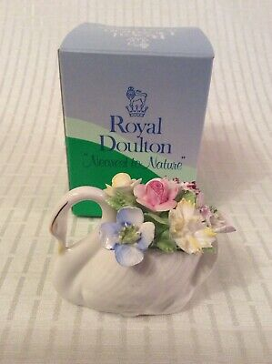 ROYAL DOULTON Lovely Small Swan Flower Basket Bouquet Ornament ~ Boxed • 6£