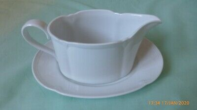 Stamford (Marks And Spencer) Gravy Boat And Saucer • 20£