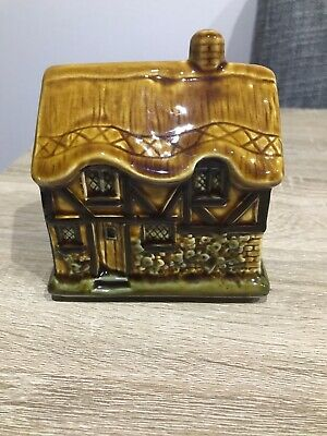 Szeiler Cottage Money Bank • 10£