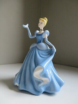 Disney Royal Doulton Cinderella With Slipper Figurine Hand Made Decorated Dp 9 • 45£