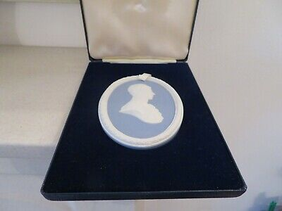*rare* Wedgwood Prince Of Wales Blue / White Jasper Medallion Plaque *boxed* • 21£