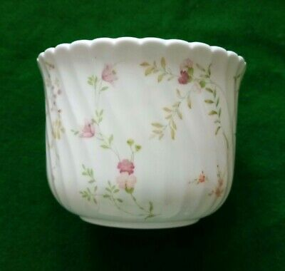 Wedgwood Campion Planter / Plant Pot  • 4.99£