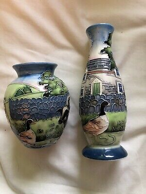 2 Old Tupton Ware Small Vases • 5.60£