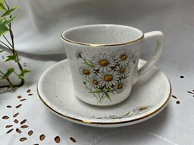 Kernewek Daisy Cup & Saucer  Cornwall Pottery ( More Available) • 3.80£