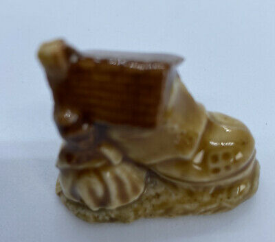 Ware The Old Lady Who Lives In Her Shoe  • 2.50£