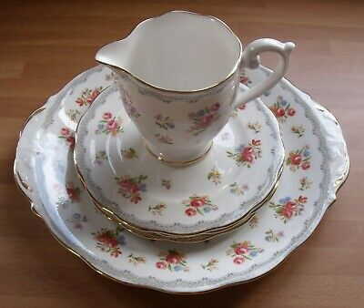 Queen Anne Bone China Red Roses - Cake Plate, Milk Jug & 3x Side Plates • 15£
