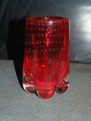 COLLECTABLE WHITEFRIARS RUBY LOBED CONTROLLED BUBBLE VASE # 9775 By G. Baxter • 14.95£