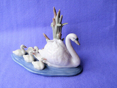 """Lladro 5722 Porcelain Swan With Signets """"Follow Me"""" Figurine • 9.99£"""