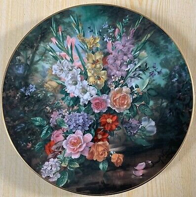Royal Doulton Classic Florals Collection Hand Decorated Bone China Plate • 24.99£