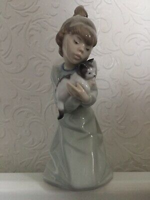 """Lladro Girl With Cat 7"""" 5712 • 5.90£"""