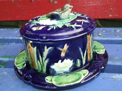 Majolica Cheese Dish-Blue With Water Lilies Dragonfly And Bird • 15£