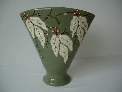 RARE ANTIQUE BRANNAM FAN VASE HAND PAINTED LEAVES & BERRIES ON GREEN BASE 26.5cm • 17£